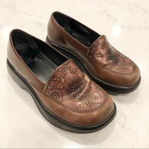 Dansko Mandolin Brown Leather Clog Size 37